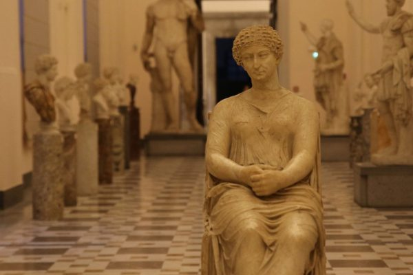 Oplontis and archeological museum of Naples